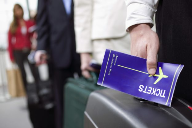 «МАУ» введет плату за распечатку посадочного талона