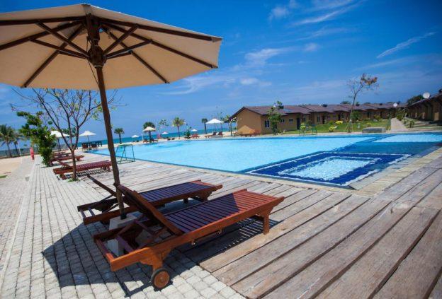 Ремонтные работы в отеле Amethyst Resort, Шри-Ланка