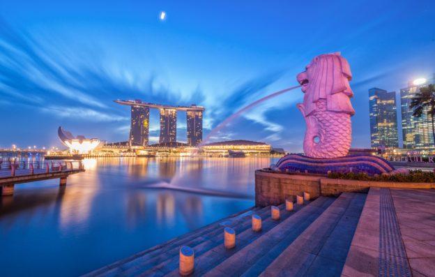 Прогулка на cyпepъяxте вокруг Сингапура