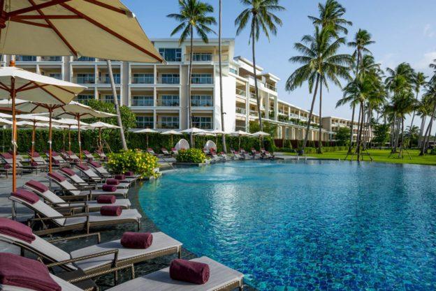 Акционное предложение от отеля Crowne Plaza Phuket Panwa Beach Resort 5* — скидка 40%