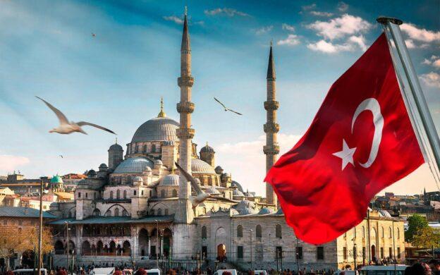 Турция ввела специальный HES-код для отслеживания передвижения по стране