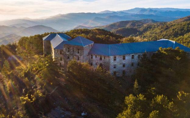 Отель с привидениями на Кипре покупают за 2 млн. евро