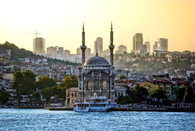 Туреччина знімає ряд обмежень з 1 липня